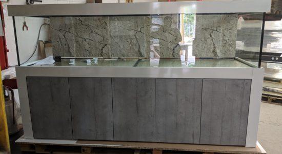 Aquarium-Kombination-Admiral-Beton-Woodcon-Diamant-geschliffen-Floatglas-Sonderanfertigung-Friedeberg-Rückscheibe-schwarz-lackiert-2